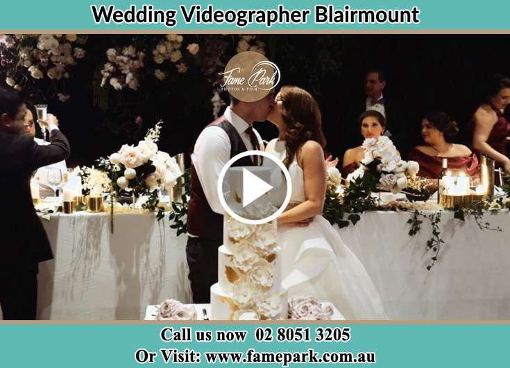 Bride and Groom kissed at the dance floor Blairmount NSW 2559