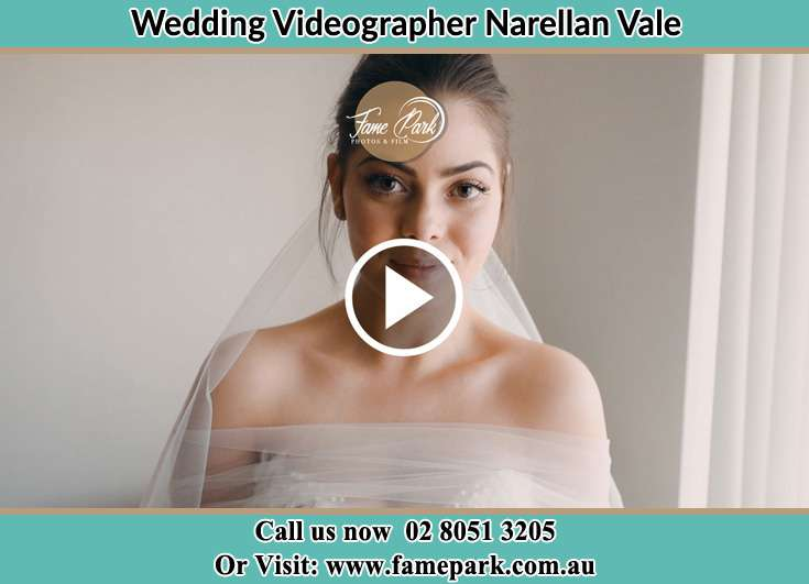 The Bride pose for the camera Narellan Vale NSW 2567